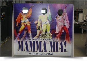 LIFESIZE DISPLAY MAMMA MIA