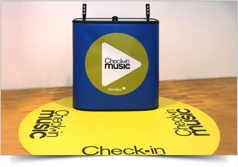 Mobiele beursbalie met muziek