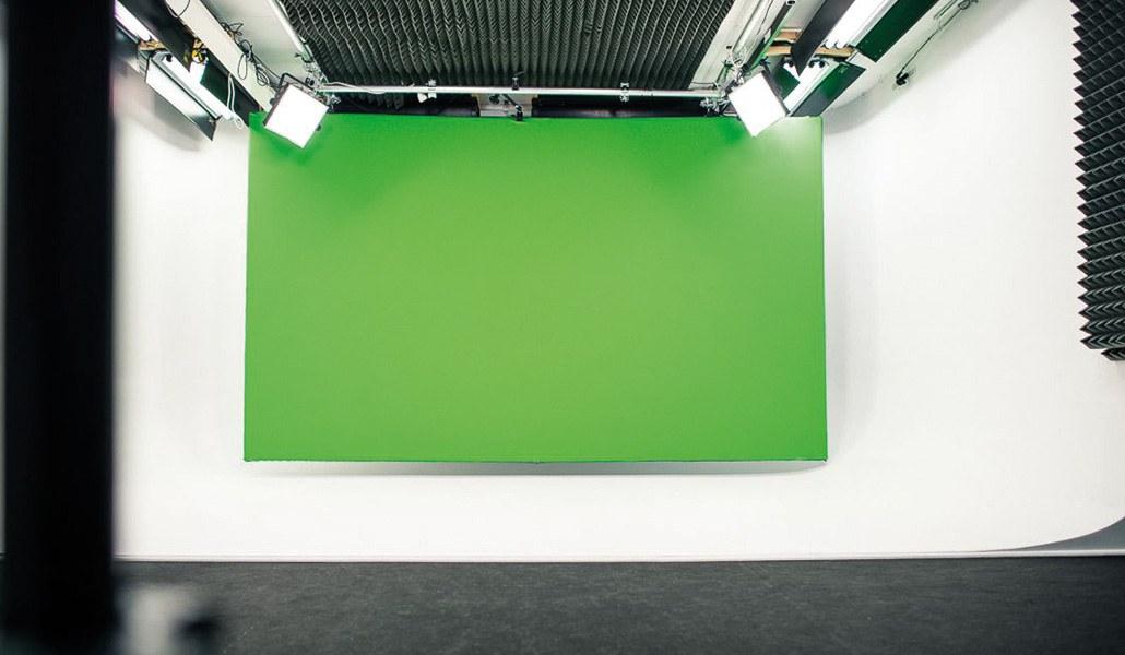Green screen hangend aan het plafond of aan de muur